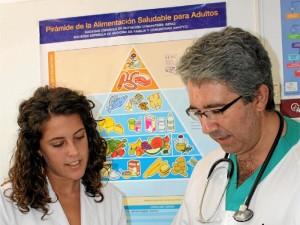 Considera fundamentales la Endocrinología y Nutrición. / Foto: Junta de Andalucía.