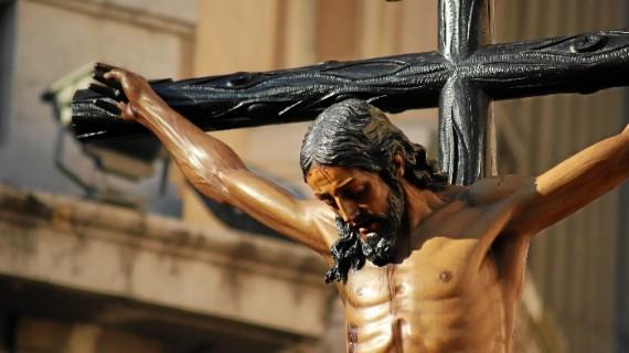 Inaugurado el Jueves Santo onubense con la salida de la Hermandad de la Buena Muerte