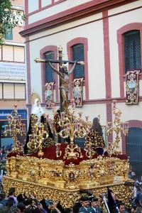 - Santísimo Cristo de la Expiración pocos minutos después de su salida del templo.
