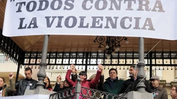 Cientos de personas se concentran en Huelva a favor de mantener la prisión permanente revisable