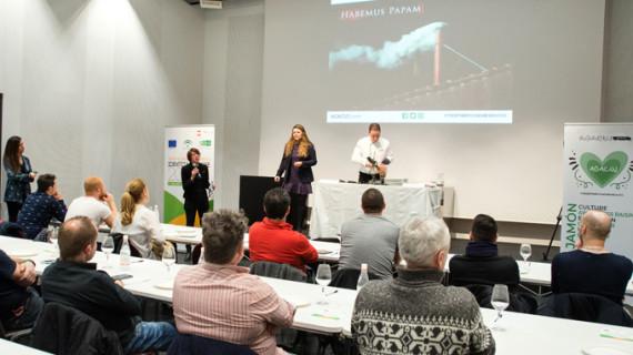 Tres empresas onubenses participan en un seminario de jamón ibérico en Milán