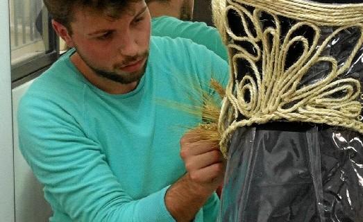 Juan Manuel Delgado Pérez, un joven diseñador aracenense que ya destaca por su personal estilo