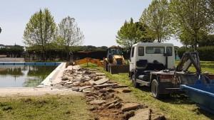 Obras en la piscina municipal de Hinojos.