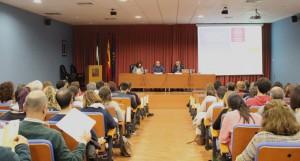 El catedrático de Física Augusto Beléndez durante su conferencia.
