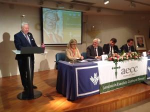 El alcalde de Huelva y el presidente nacional de la AECC se sumaron al homenaje.