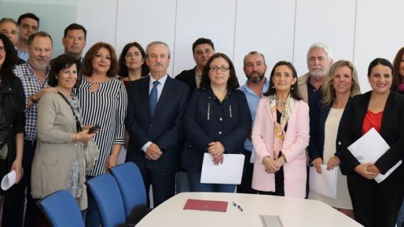 Entregada a 50 alcaldes de Huelva la documentación de los fondos para contratar a 8.500 parados en el Profea