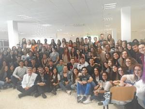 Alumnos de 2º curso de la Facultad de Enfermería de la Universidad de Huelva en la Jornada de presentación en el Hospital Infanta Elena.