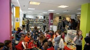 Celebración del Día Internacional del Libro Infantil en la Biblioteca de Huelva. / Foto: Jesús Bellerín.