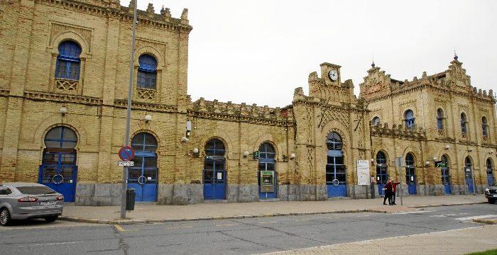 Enrique Figueroa pide definir los usos para los edificios del Paseo de Santa Fe y la antigua Estación de Sevilla