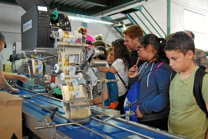Continúan las visitas a la balsa general de la Comunidad de Regantes con el programa educativo Aquafresi