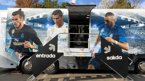 El autobús del Real Madrid llega a Huelva