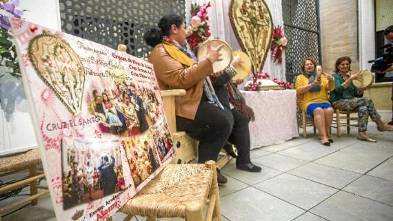 Alosno se prepara para vivir sus tradicionales Cruces de Mayo