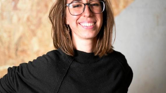 La puntaumbrieña Mery Velasco triunfa en las redes con sus irónicas y cómicas viñetas