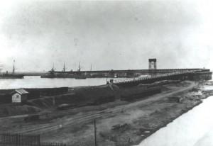 Vista del Muelle desde el dique de la Cabilla, alrededor de 1892.