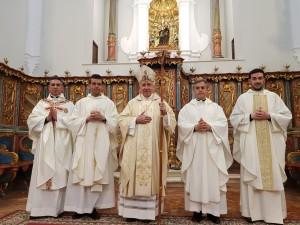 Los nuevos sacerdotes son Víctor Manuel Domínguez, Álvaro Gómez, Francisco José Feria y Rafael Carretero.