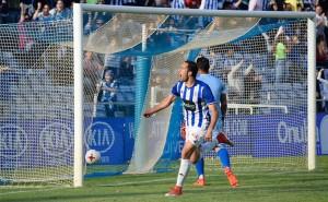 Boris celebra el segundo gol del Recre ante el San Fernando. / Foto: Pablo Sayago.