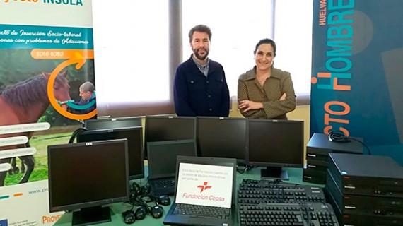 La Fundación Cepsa dona material informático a Proyecto Hombre en Huelva
