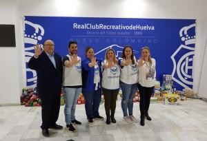 Díaz Cabrera con voluntarios del Banco de Alimentos de Huelva.