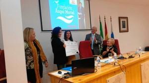 La Dra. Aviñó, siendo galardonada con el I Premio de Investigación Médica de la Fundación Ángel Muriel.