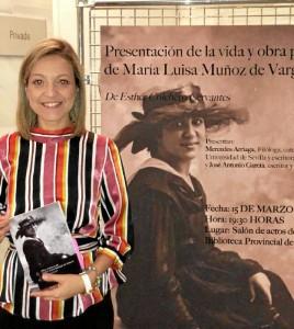 La periodista onubense Esther Colchero, durante la presentación del libro.