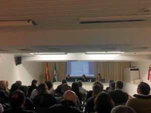 Un momento de la presentación del libro en la Biblioteca de Huelva.