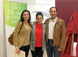 El día de la presentación de los resultados, junto al  Dr. Juan Bayo, jefe de Oncología del Juan Ramón Jiménez y la Dra. María Jesús, directora médica.