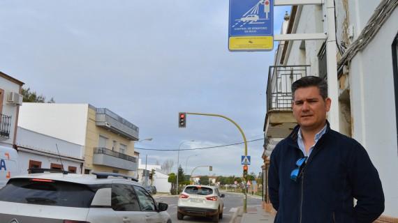 San Juan instala desde este 1 de mayo dos cámaras con el sistema 'Foto-Rojo' al final de la travesía de la calle Huelva