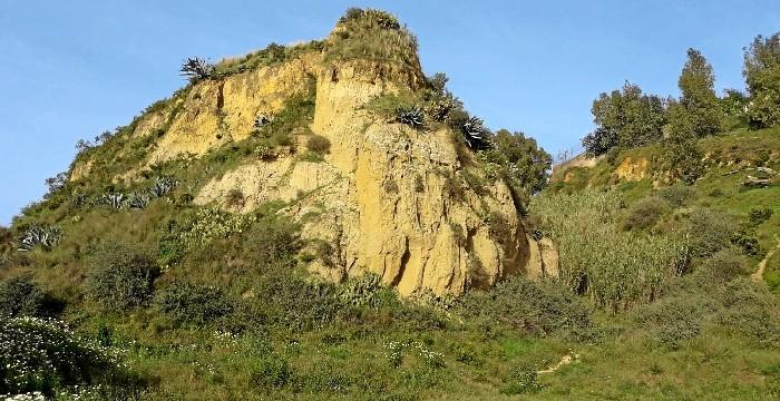 Los geólogos de la UHU se manifiestan a favor de la declaración de los Cabezos como Monumento Natural de Andalucía