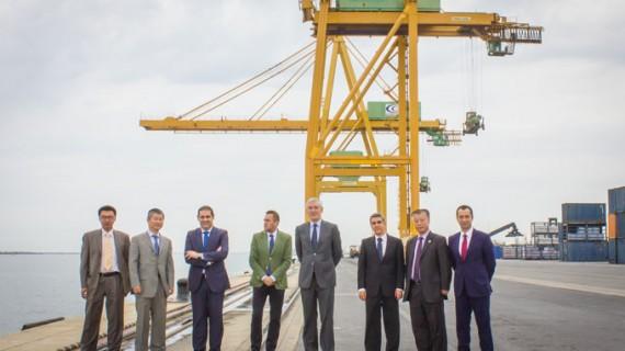 La naviera china Cosco Shipping Spain visita el Puerto de Huelva interesada en su oferta de servicios e infraestructuras