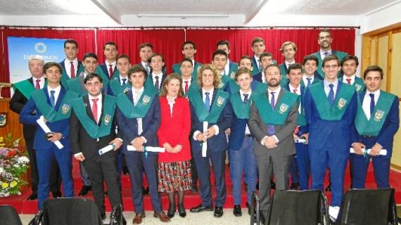 El Colegio Entrepinos celebra el acto académico de Imposición de Becas al alumnado de 2º de Bachillerato
