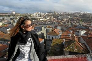 En 'Mis volteretas' comparte reflexiones y experiencias personales. En la imagen, durante un viaje a Oporto.