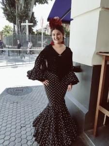 A Marta le gustaría dedicarse a la moda flamenca.