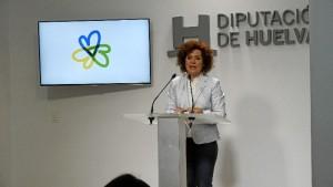 La vicepresidenta de la Diputación y diputada responsable de Huelva Empresa, María Eugenia Limón, ha presentado el programa del que se podrán beneficiar los autónomos. /Foto: Jesús Bellerín.