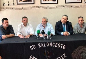 Un momento de la rueda de prensa del CDB Enrique Benítez.