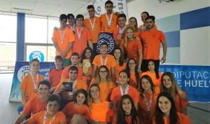 Componentes del CB Huelva, de nuevo campeón provincial de natación.