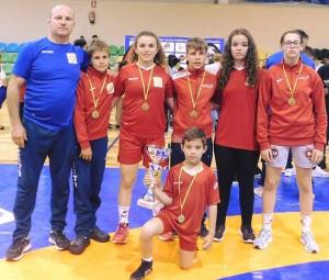 Representantes del Club de Lucha El Campeón de Cartaya en el Torneo de Madrid. / Foto: @luchaelcampeon.
