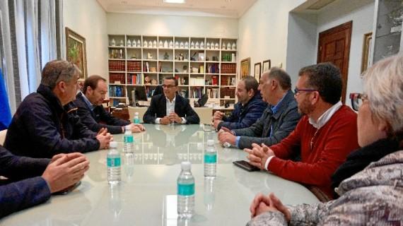 Los comerciantes de la provincia renuevan su apoyo a la campaña 'Que sea de Huelva'