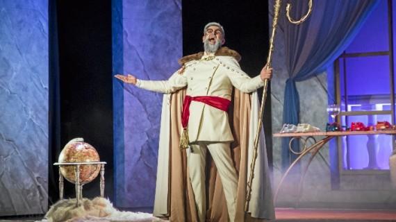 Manu Sánchez estrena su nueva comedia teatral en Nerva