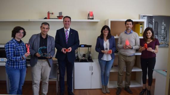 La UHU inaugura Openlab, un nuevo espacio de colaboración y fabricación digital