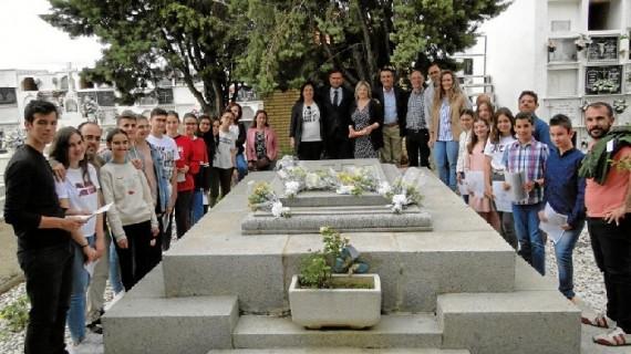 La comunidad educativa de Moguer rinde homenaje a Juan Ramón en el 60 aniversario de su muerte