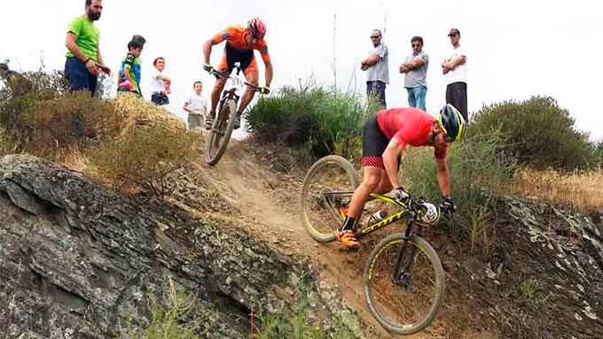 Unos 300 corredores de toda Andalucía tomaron parte en el III Rally BTT Olontbike.