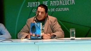 José María García Asensio invita a los lectores a sumergirse en los versos de 'Mangata'.