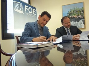 Firma del convenio de colaboración entre la Asociación Hacan y la FOE.