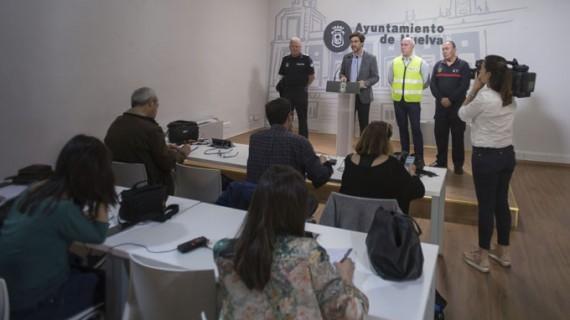 El Plan Romero municipal moviliza a más de 100 trabajadores con motivo de la salida de las hermandades de Huelva