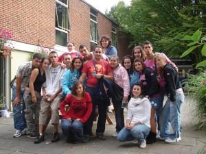 Con compañeros en uno de los intercambios que hizo en Londres.