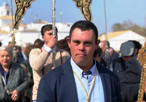 Juan Antonio Maraver hace historia, de felicidad, en la Hermandad del Rocío de su pueblo