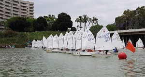 Unos 80 participantes se dieron cita en la prueba disputada en el Club Náutico de Sevilla.