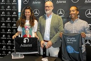 Acto de presentación del circuito. De izquierda a derecha: Vanesa González, directora del circuito; Pedro Weickert, gerente de Adarsa Sur, y Daniel García, gerente del club.