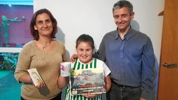 Ana, la niña de Cartaya que ha donado el dinero de su comunión a la lucha contra el cáncer infantil