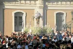 Los traslados y la procesión de la patrona de Huelva son los momentos más multitudinarios.